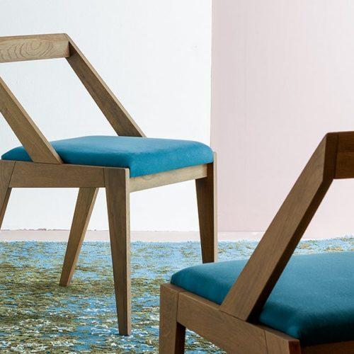 devina-nais-sedie-legno-salice-salentino-veglie-lecce-mister-vetrano